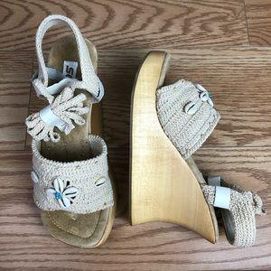 SODA Kendo Natural Macrame Shells Platform Sandal